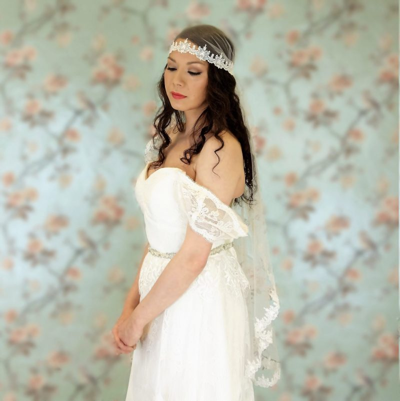 Claddagh pale ivory Juliet veil