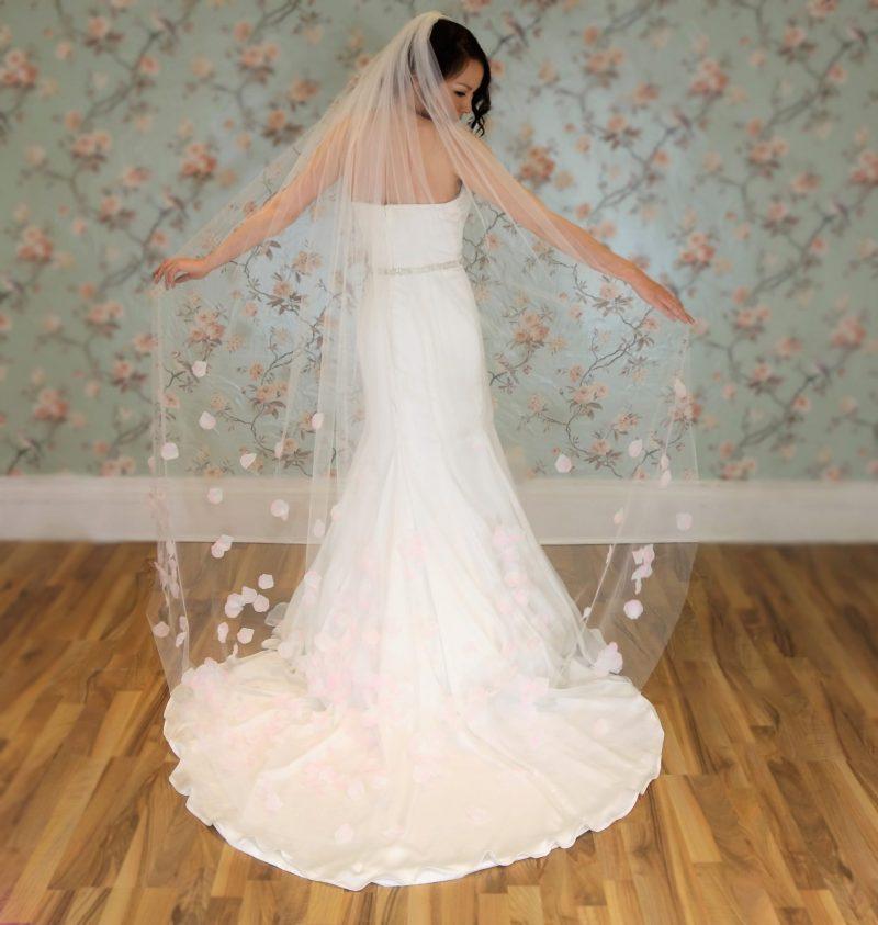 Pink Kiss Petal Bridal Veil