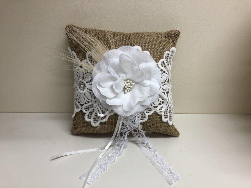 Natural Flower Ring Cushion