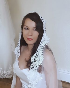 Clover Lace Mantilla Veil