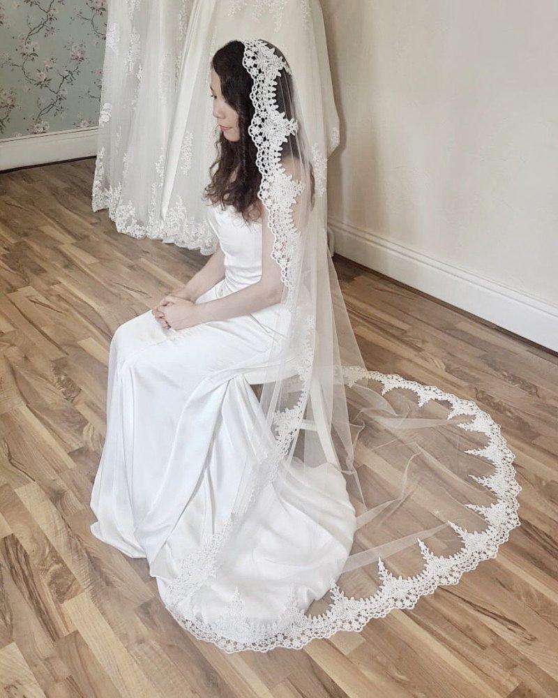 Clover mantilla bridal veil