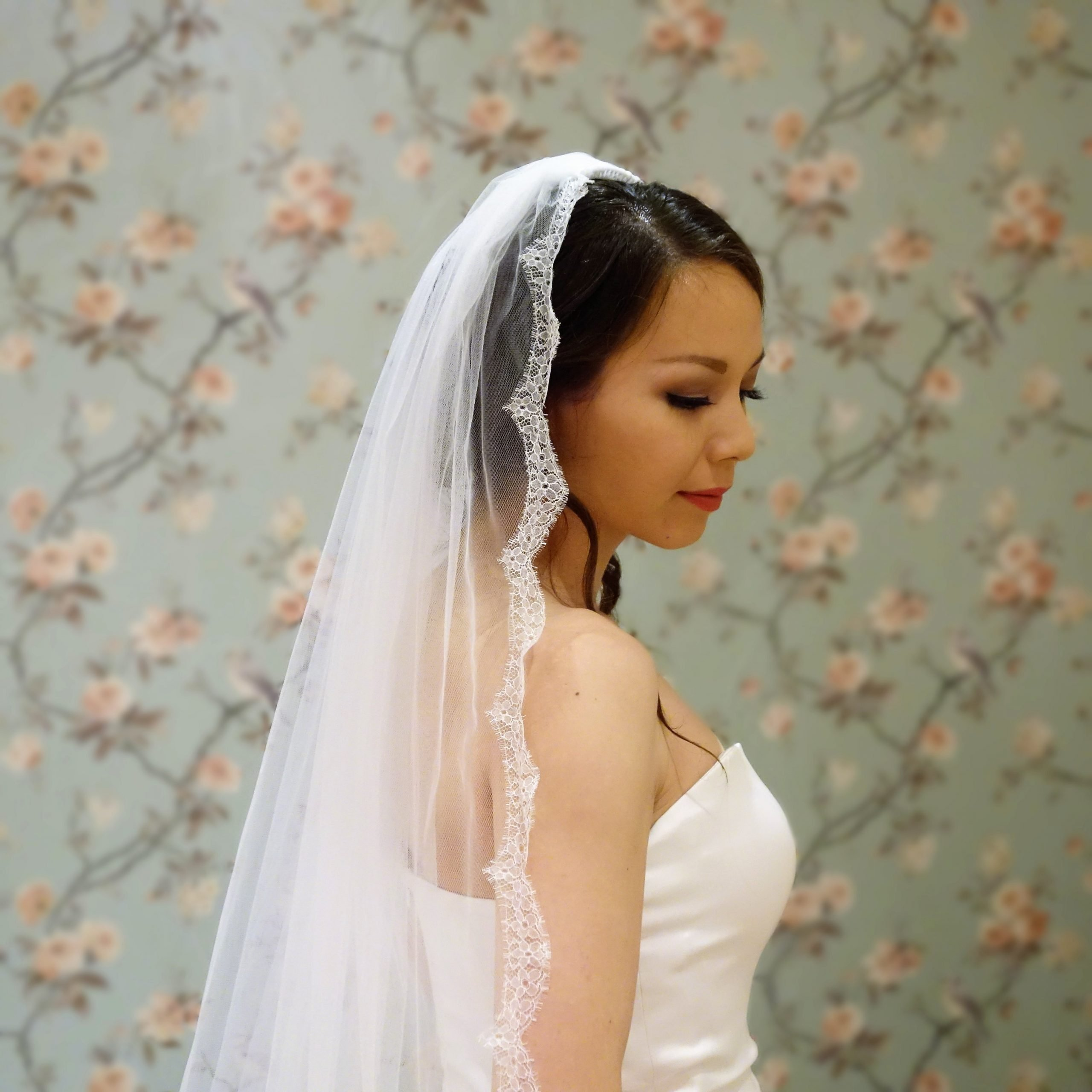 Posie Lace Bridal Veil Close (2)