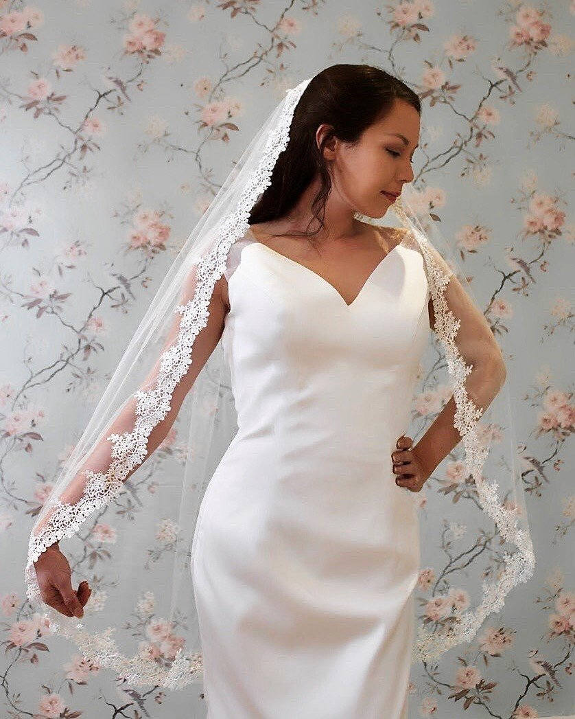 Juliet Lace Veil Pale Ivory