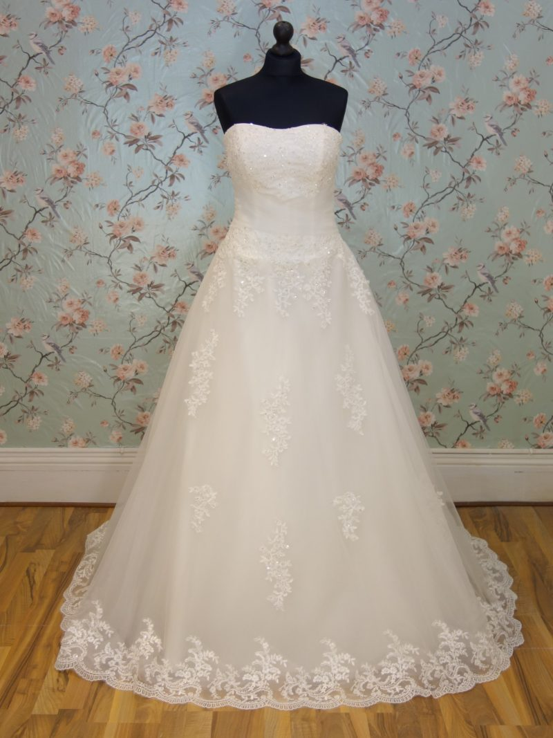 Ana Sample Wedding Dress