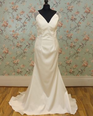 Lena Sample Wedding Dress