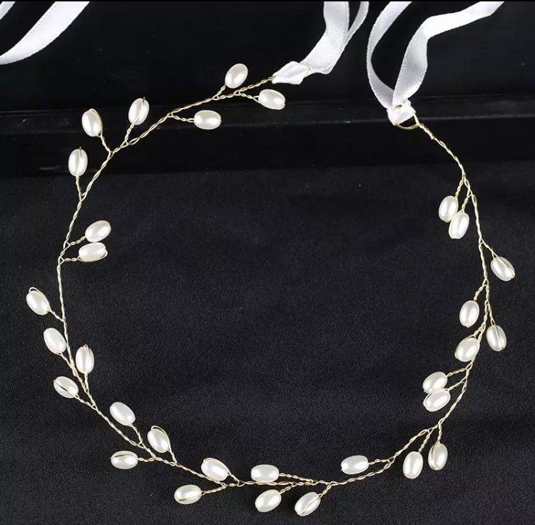 Gold pearls hair wreath