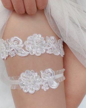 Rose lace garter set